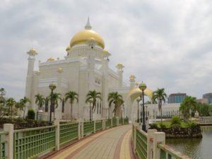 Viaggio nel sultanato del brunei borneo sara caulfield